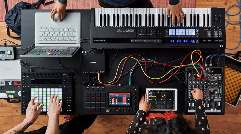 another photo of an Ableton-hardware hybrid setup